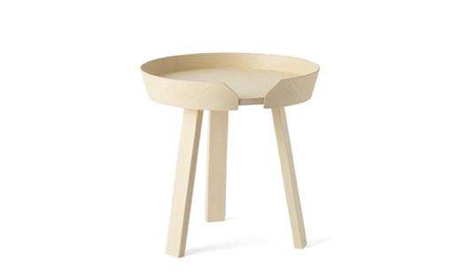 Muuto – Around Table Small Natural by Thomas Bentzen