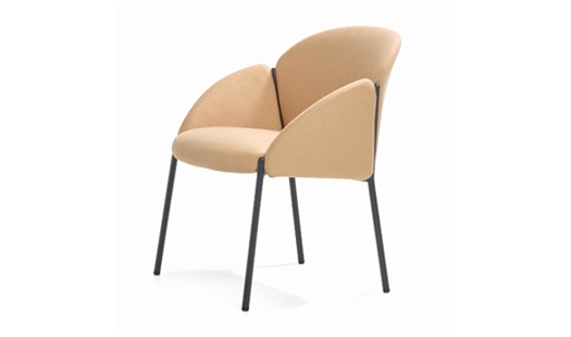 Artifort – Andrea Lounge Chair by Claesson Koivisto Rune